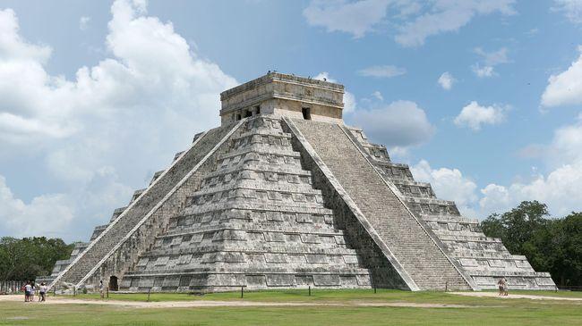 Merayakan Matahari di Khatulistiwa bernuansa Meksiko Kuno