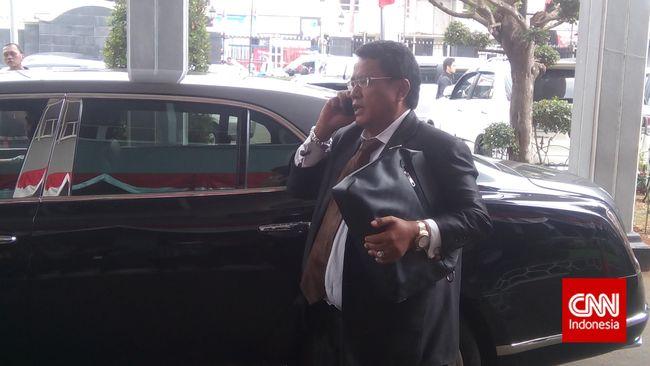Hotman Paris Singgung Anies soal Diskriminasi Rekrutmen PJLP