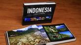 Buku Indonesia, A World of Treasures menyajikan rangkaian 1.300 imaji yang memperlihatkan kekayaan alam dan budaya di seribu destinasi di 34 provinsi Indonesia. Saat berkunjung ke kantor CNN Indonesia, beberapa waktu lalu, dengan penuh semangat Ebbie mengisahkan suka duka perjalanannya.