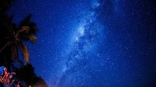 Astronom Tangkap Objek Melengkung di Pusat Bima Sakti
