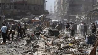 Serangan Udara Rezim Assad Tewaskan 100 Orang di Suriah