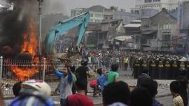 DPRD DKI: Kalau Warga Kampung Pulo Melawan, Aparat Mundur