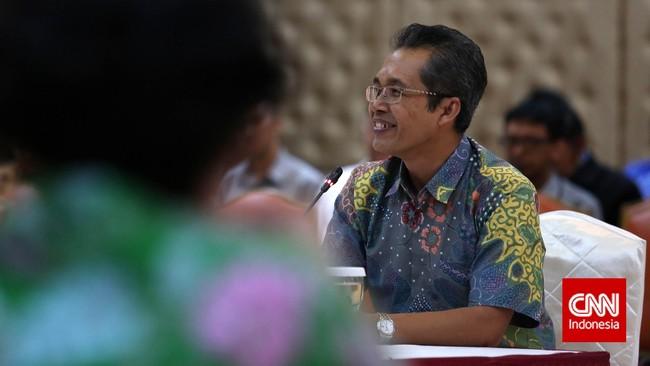 Alexander Marwata, Ak, SH saat wawancara tahap akhir calon pimpinan KPK di Kementerian Sekretariat Negara, Jakarta, Senin, 24 Agustus 2015. Sebanyak 19 calon pimpinan KPK menjalani tahapan wawancara selama tiga hari dan bersifat terbuka. (CNN Indonesia/Safir Makki)