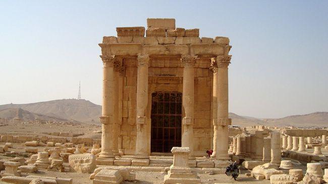 ISIS Ikat dan Ledakkan Sandera di Tiang Situs Kuno Palmyra