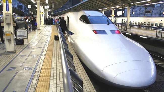 Berangkat 25 Detik Lebih Awal, Kereta Jepang Minta Maaf