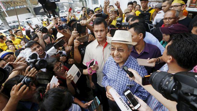 Lewat Blog, Mahathir Jelaskan Kehadirannya di Aksi Bersih