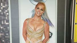 Britney Spears Kenang 20 Tahun Lagu 'Baby One More Time'