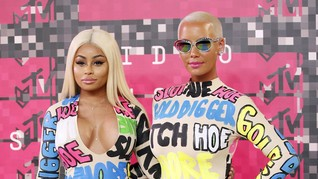 Parade Busana Aneh dan 'Nyeleneh' di MTV VMA 2017