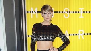 Berseteru, Scooter Braun Sanjung Album 'Lover' Taylor Swift