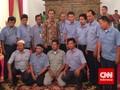 Jokowi Pertemukan Sopir Gojek dan Ojek di Meja Makan Istana