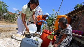 DPR dan Pemerintah Didesak Terbuka Soal RUU Sumber Daya Air