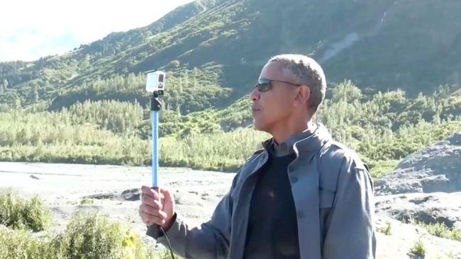 Buat Video Pakai Tongsis, Obama Jelaskan Perubahan Iklim