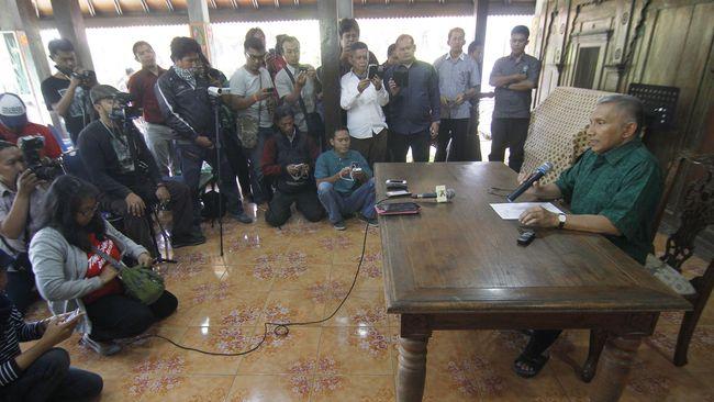 PAN Membelot ke Jokowi dan Amien Rais yang Kontroversial