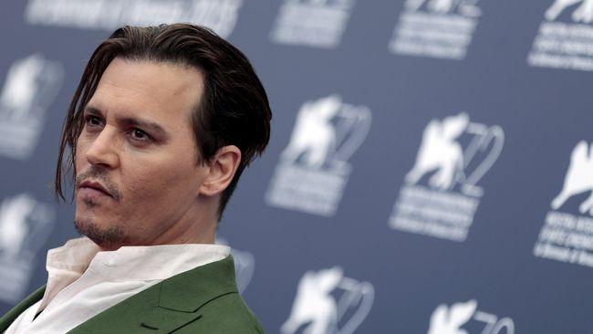 Tampil Kurus dan Pucat, Johnny Depp Disebut Sehat
