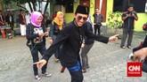 Meriah! Begitulah gambaran acara mengenang 20 tahun kepergian Benyamin di Jagakarsa, Jakarta Selatan, kemarin (5/9). Nyaris tak ada air mata, hanya ada kenangan dan kemeriahan. Semeriah gaya kocak sang legenda semasa hidup.