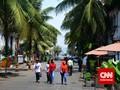 Ahok Tak Khawatir PKL Jalur Pejalan Kaki Diangkut Satpol PP
