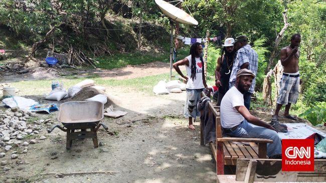 Polisi Tolak Permintaan Keluarga Pulangkan 7 Tahanan ke Papua