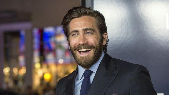 Jake Gyllenhaal Protes Menu Favoritnya Hilang