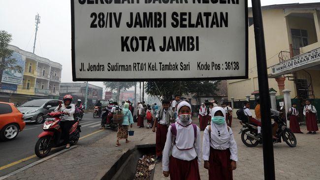 Indonesia, Berkonstitusi Hijau Namun Terus Bergelut Asap