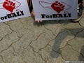 Ratusan Warga Blokir Jalan di Depan Polda Bali