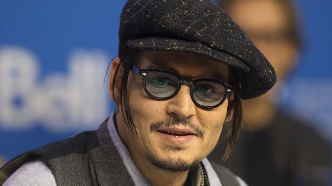 Penampilan Kurus Johnny Depp Disebut karena Stres