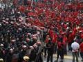 Polisi Malaysia Bubarkan Paksa Aksi Rasis Kaos Merah
