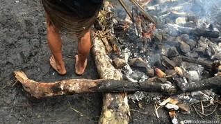 Guyub Antar Agama dalam Tradisi Bakar Batu di Lembah Baliem