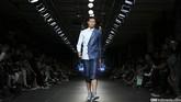 Danjyo Hyoji memeriahkan panggung Men's Fashion Week 2015 pada Sabtu (19/9) di Plaza Indonesia, Jakarta. Merek lokal mengusung konsep uniseks ini masih tampil dengan tema urban casual tapi penuh kejutan detail. (CNN Indonesia/ Adhi Wicaksono)
