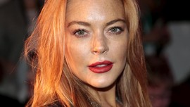 Lindsay Lohan sampai The Chainsmokers Ikut Sambut Ramadan