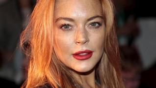Datang 'Fashion Show', Lindsay Lohan Pakai Hijab