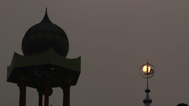 Polandia Tangkap 2 Anggota Ekstrem Kanan Akan Serang Muslim