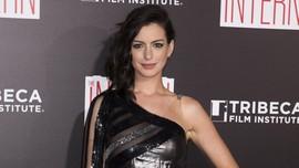 Anne Hathaway Harus Tunggu 2 Tahun Lagi untuk Jadi 'Barbie'