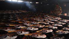 Mencicipi Hidangan Laut di Manado
