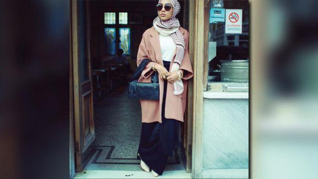 H&M Tampilkan Model Muslim Berhijab Pertamanya