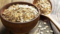 Secangkir kecil gandum atau oat mengandung dua gram serat larut dan tidak larut. Ini membantu dalam buang air besar. (Foto: Thinkstock)