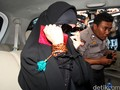 Busana Santun Para Wanita Terjerat Kriminal Picu Multitafsir