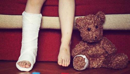 Ini Sebabnya Jangan Bereaksi Berlebihan Saat Anak Luka atau Cedera