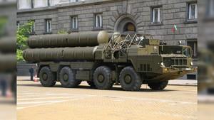 Rusia Akan Pasok Sistem Rudal S-300 ke Suriah