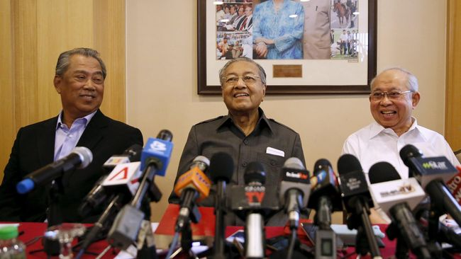 Mahathir Desak Warga Malaysia Gabung Demonstrasi Bersih