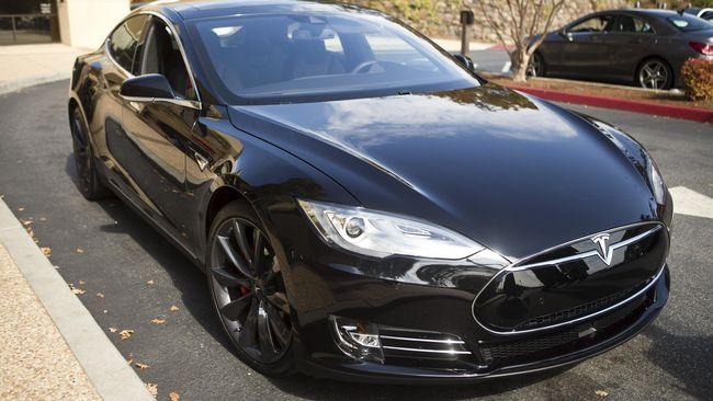 Baterai Model S Terbakar, Tesla Digugat Konsumen