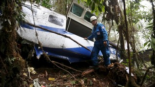 Pesawat Jatuh di Rumah Penduduk di Kolombia, 7 Orang Tewas
