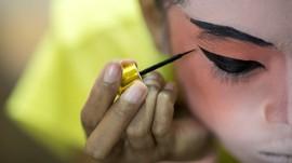 Mengingat Kembali Bahaya 'Racun' Kosmetik Ilegal