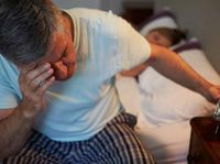 Dalam jurnal Sleep Medicine ditemukan studi yang menyebutkan orang yang kelelahan akan mengalami mood yang kurang baik sehingga mengalami kekurangan waktu tidur dalam seminggu. (Foto: Thinkstock)
