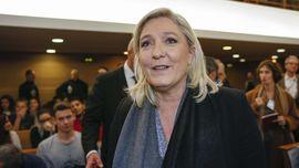 Le Pen Diduga Jiplak Pidato Fillon