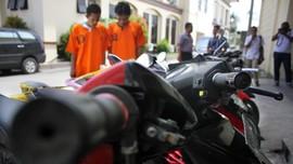 Polisi Bekuk Komplotan Curanmor Sasar Pemilik Motor Lengah