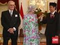 Ratu Denmark 'Cecar' Jokowi soal Motif Batik