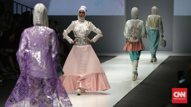 Busana Muslim Indonesia Unjuk Gigi di London Fashion Week