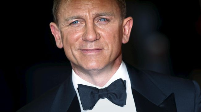 Daniel Craig Jalan Tertatih Usai Kecelakaan di 'Bond 25'