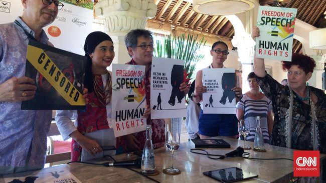 Poster Protes Warnai Diskusi Kebebasan Bicara di Ubud