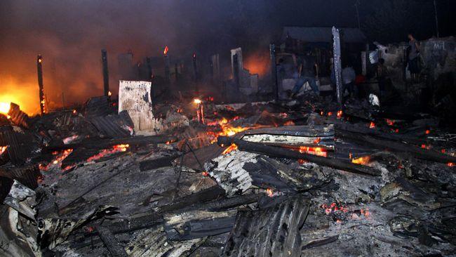 Kebakaran 400 Rumah di Sebuku Kalsel, 1.800 Mengungsi